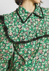 Custommade - DEMI - Pusero - classic green - 4