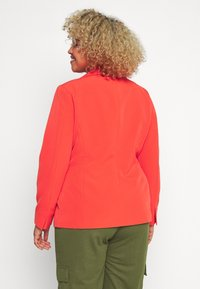 Simply Be - PRESS BLAZER STYLE - Krátký kabát - tomato red - 2