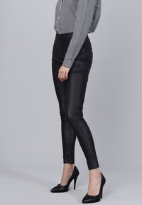 Basics and More - Leather trousers - black - 5