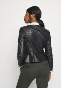 ONLY Petite - ONLJENNY JACKET PETITE - Faux leather jacket - black - 2