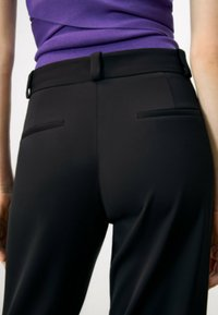 Uterqüe - FLOWING  - Trousers - black - 2