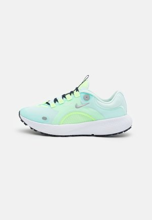 REACT ESCAPE RN - Chaussures de running neutres - teal tint/metallic silver/ghost aqua/off noir/particle grey