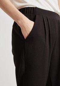 Minimum - SOFJA - Trousers - black - 1