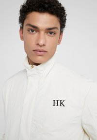 Han Kjobenhavn - TRACK TOP - Giacca leggera - white - 3