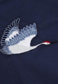 Brava Fabrics - CRANE FOR LUCK ESSENTIAL - Bluzka - blue - 4