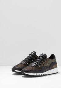 Floris van Bommel - NINETI - Sneaker low - dark green - 2