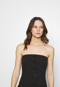 Who What Wear - STRAPLESS BUTTON FRONT DRESS - Shift dress - black - 3