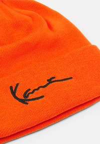 Karl Kani - SIGNATURE BEANIE UNISEX - Beanie - orange - 2