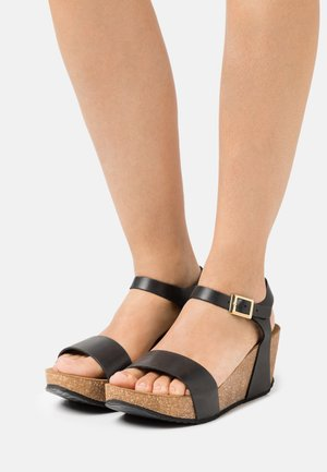 CINDY - Sandály na platformě - black