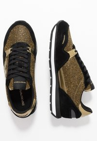 Emporio Armani - Baskets basses - black/gold - 3