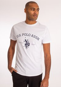 U.S. Polo Assn. - ARCHIBALD - T-shirt med print - white - 0