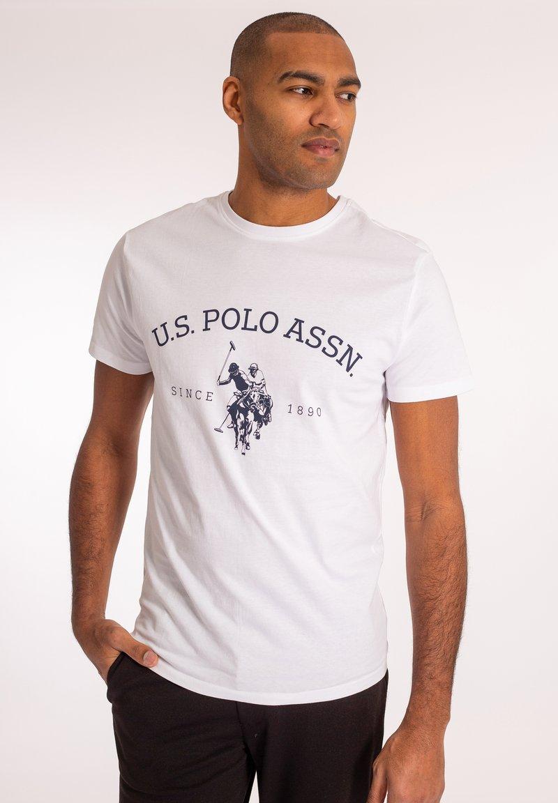 U.S. Polo Assn. - ARCHIBALD - T-shirt med print - white