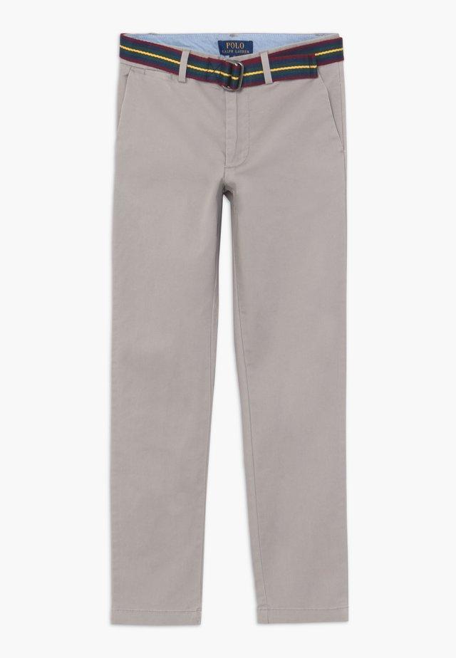 PREPPY BOTTOMS PANT - Chinos - soft grey
