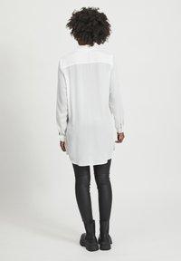 Vila - VILUCY NOOS - Skjorte - white - 2