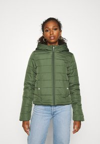 Vero Moda - VMSIMONE HOODY SHORT JACKET - Light jacket - black forest - 0
