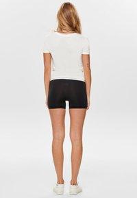 ONLY - ONLARLI  - T-shirt z nadrukiem - white - 2