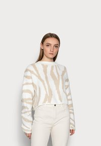 Miss Selfridge Petite - ZEBRA - Jumper - camel - 0