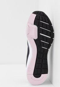 Reebok - RUNNER 4.0 - Zapatillas de running neutras - black/cloud grey/pix pink - 4
