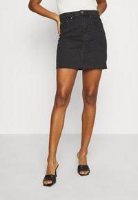 Gina Tricot - VINTAGE SKIRT - Denimová sukně - black denim - 0