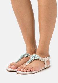 Buffalo - ROSALIE - T-bar sandals - beige/mint - 0