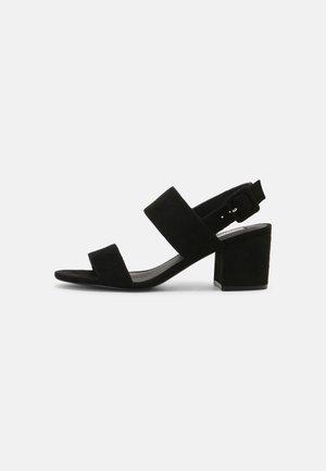 CASUAL LOW BLOCK - Sandalen - black