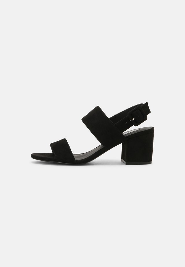 CASUAL LOW BLOCK - Sandalias - black
