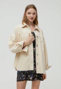 PULL&BEAR - Button-down blouse - mottled beige - 0