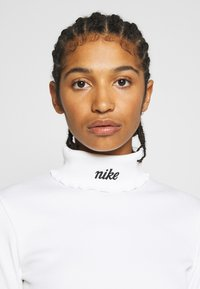 Nike Sportswear - Long sleeved top - white/black - 3