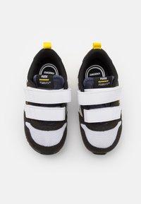 Puma - PEANUTS R78 UNISEX - Sneaker low - black/white/peacoat - 3