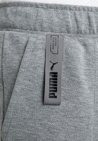 Puma - TILITY PANT - Träningsbyxor - medium gray heather - 6