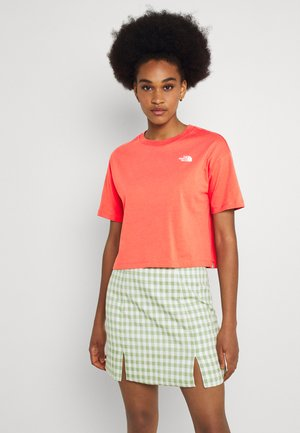 DISTORTED LOGO CROP TEE - T-shirts basic - spiced coral