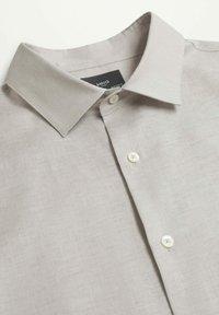 Mango - MEXICO - Shirt - gris claro/pastel - 6