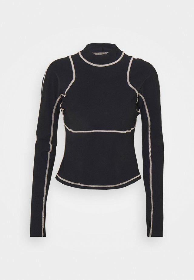 SWEATY BETTY X HALLE BERRY SOFIA TRAINING RASH GUARD - Sports shirt - black