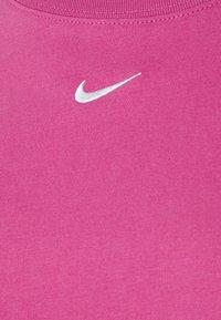 Nike Sportswear - T-shirts med print - active fuchsia/white - 5