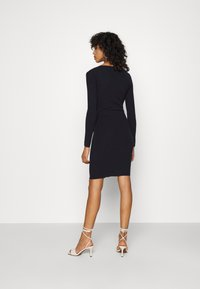 4th & Reckless - OXFORD DRESS - Etuikleid - navy - 2