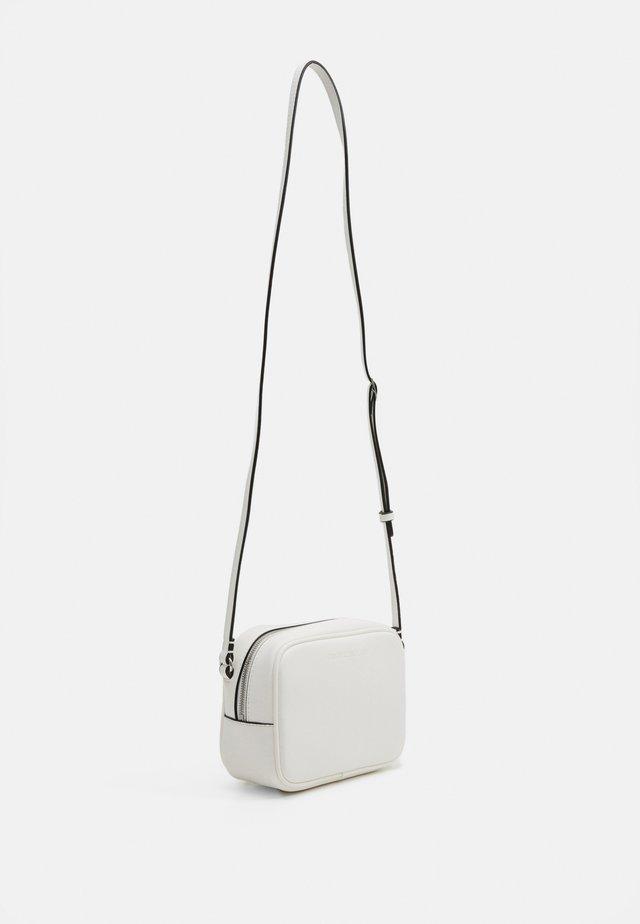 CAMERA BAG - Taška spříčným popruhem - white