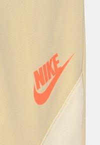 Nike Sportswear - Leggings - Trousers - lemon drop/coconut milk - 2