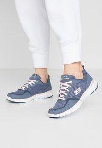 Skechers Sport - FLEX APPEAL 3.0 - Sneakers laag - slate/light pink - 0