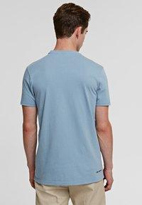 KARL LAGERFELD - IKONIK - Basic T-shirt - light blue - 2
