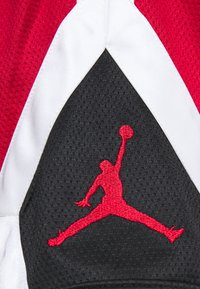Jordan - JUMPMAN DIAMOND SHORT - Sports shorts - gym red/black/white - 5