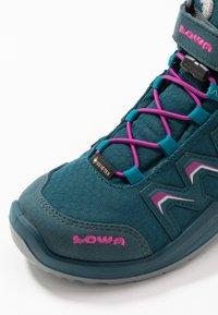 Lowa - MADDOX WARM GTX - Snowboots  - petrol/pink - 2