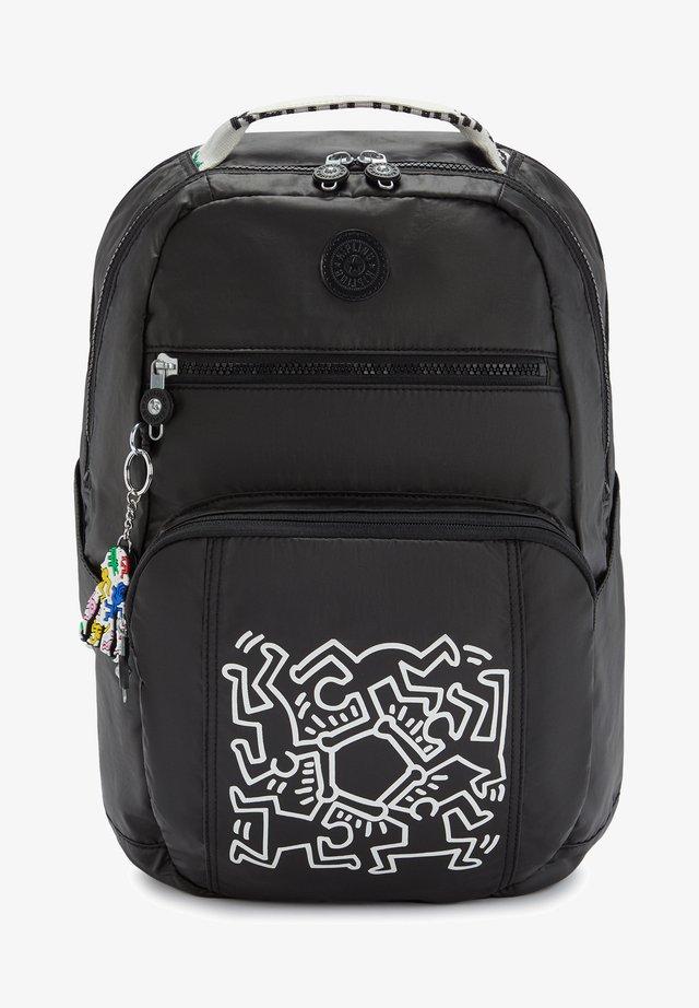 Backpack - keith haring chalk art