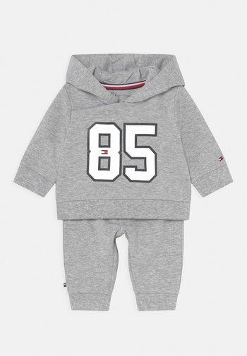 BABY HOODED SET UNISEX - Tracksuit - grey
