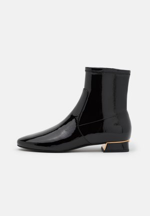 GIGI BOOTIE - Classic ankle boots - perfect black