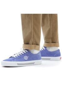 Vans - UA Sid - Trainers - blue - 0