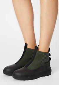 Vans - COLFAX  - Ankle boots - grape leaf/black - 0