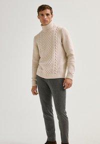 Massimo Dutti - LIMITED EDITI - Trousers - light grey - 0