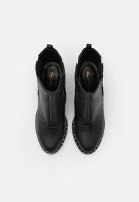Miss Selfridge - BARE CASUAL HEELED CHELSEA - Kotníková obuv na vysokém podpatku - black - 5