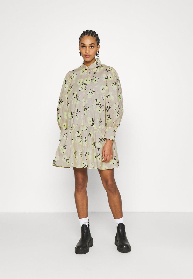 EDITED - RYLEE DRESS - Shirt dress - beige/mischfarben