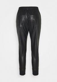 Rich & Royal - JOGG PANTS FAKE LEATHER - Kalhoty - black - 1